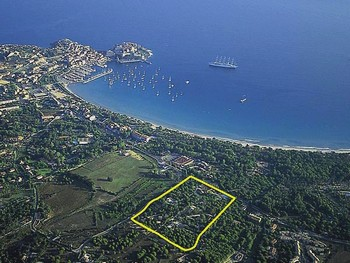Standort Feriendorf St 246 Rrischer Esel In Calvi Korsika