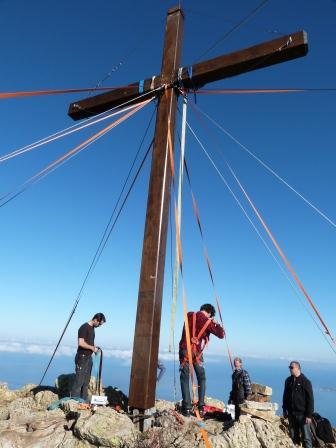 Das Kreuz der Österreicher zurück am Capu di a Veta