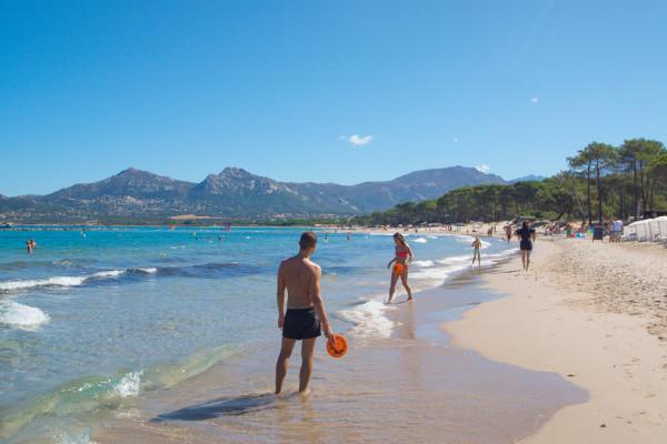 Spaß am Sandstrand von Calvi