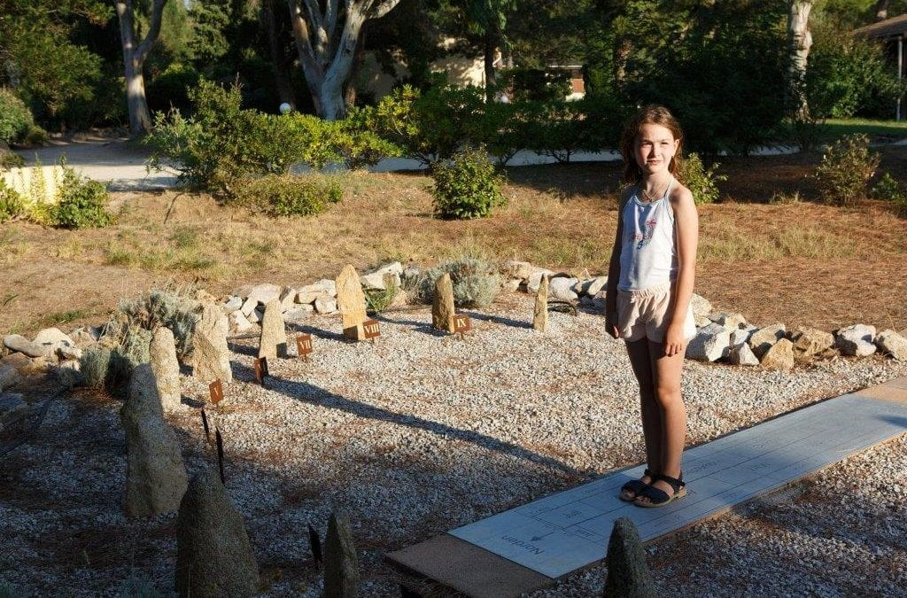 Gartenführung durch den Park des Feriendorfes